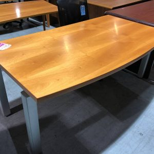 Office Desks – Table-style (used)