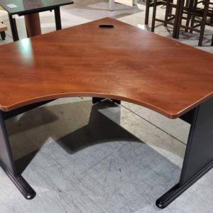 Corner Office Desk – 4 x 4 (used)